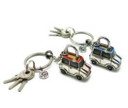 kl076-padlockwith-key-hanging-austin-2x3-5x4-cm