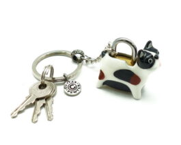 kl053-02-ak-padlock-with-key-hanging-boston-terrier-2x4x3-5cm