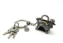 kl053-05-padlock-with-key-hanging-poodle-1-5x4x3-5-cm