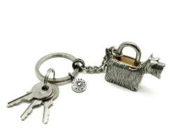 kl053-07-padlockwith-key-hanging-terrier-1-5x4x3-5-cm