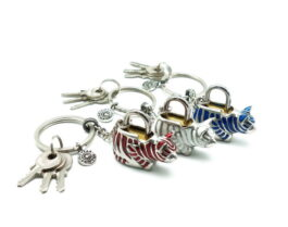kl057-padlock-with-key-hanging-striped-cat-1-7x4x3-6-cm