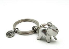 kr090-key-chain-moving-trunk-elephat-1x2-5x2-5-cm