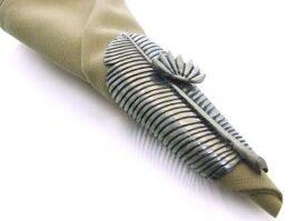 nk013-banana-leaf-napkin-ring-4-5x11x3-5cm