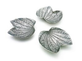 TR084 Tray, Butterfly Tree leaf 9.5x10.5x2.5 cm.