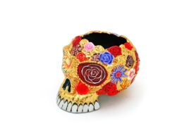 AT015.04.C Ash Tray Skull, gold leaves with color 6x7.5x5.5 cm.