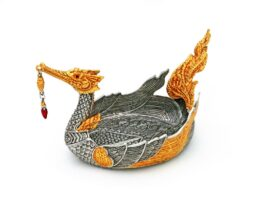 TR066.04 A swan the Legendary of Himmaphan, gold leaves. 8.5x15x8 cm.