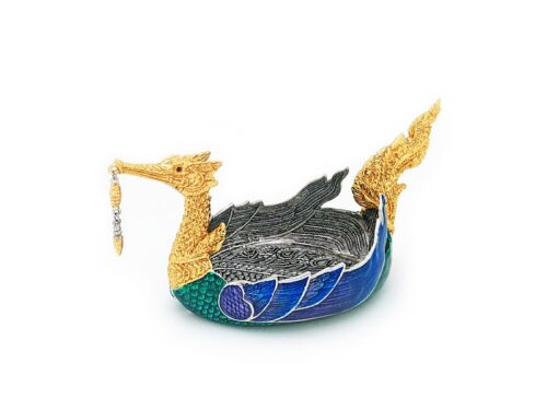 TR066.04.C A swan the Legendary of Himmaphan, gold leaves, with color 8.5x15x8 cm.