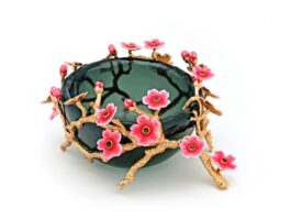 TR067.03 Sakura flowers coated with 18k gold fee 11x13x6 cm.